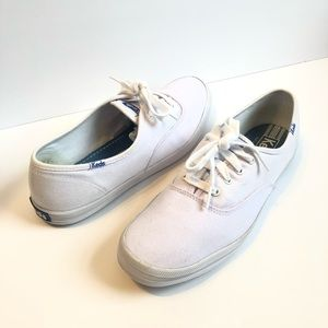 KEDS women's Sneakers size 9.5 solid white slip on